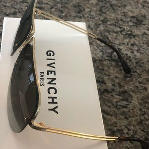 Givenchy sunglasses. Gold. New original packaging
